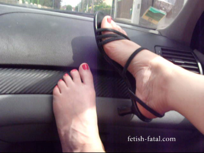 51353 - Natalia walks down the street and entered the carriage with open shoes and sexy pink nail varnish !!!!