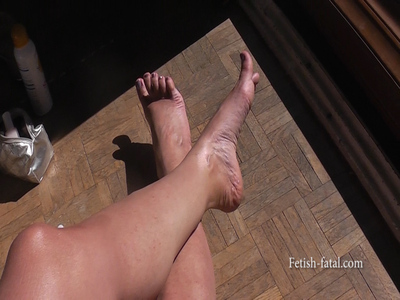 THE MOST BEAUTIFUL FEET IN DIFFERENT SCENES OF THE WORLD!