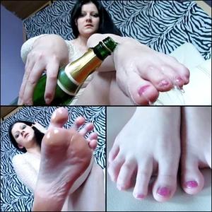 81117 - Tingling foot pleasure