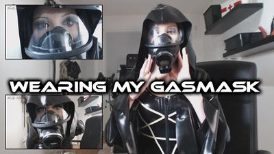 Wearing my Gasmask