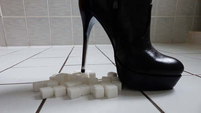 82550 - Crushing sugar cubes with sexy ankle boots