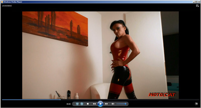 81762 - Your mistress posing in latex