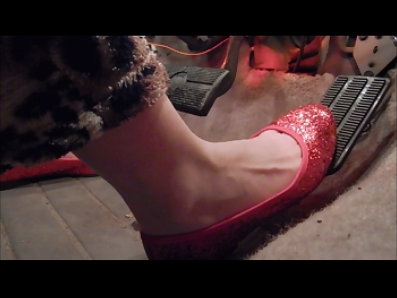 81726 - My sexy red shoes