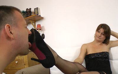 01. Sarah and McGee - Shoe fetish! 1280x720