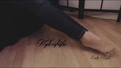 I 'll show you my nylon feet
