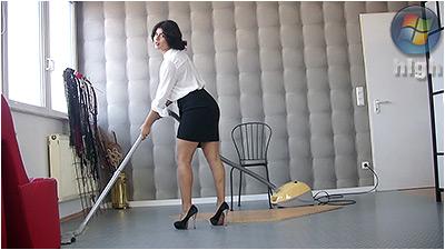Cleaning And Vacuuming (wmv) - Fernanda