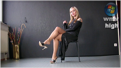 Gia Gold - Shoeplay Elegance (wmv)