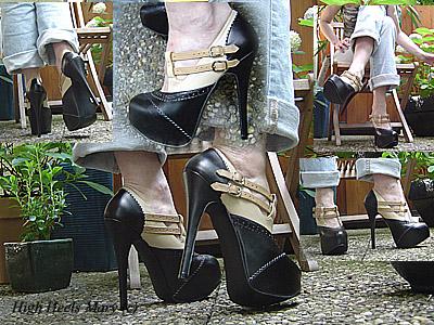 11316 - Platform Heels in the garden