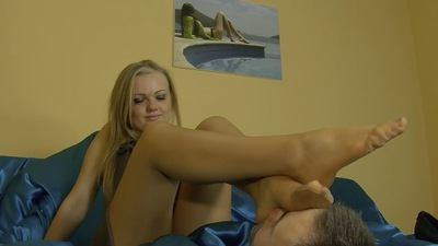 69220 - SWEET FEET OF KRYSIA