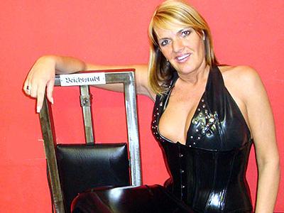 29183 - Lady Chantal Sado: POV Beichte