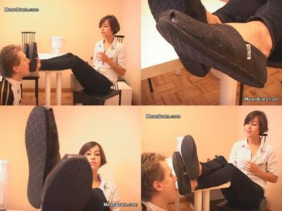 61998 - Mina's Dirty Little Shoe Boy