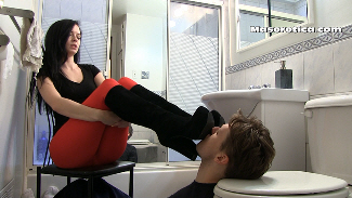 75742 - Toilet Boy Shoe Cleaning 2 - Kylee's Edition